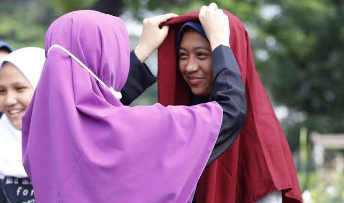 Ustadz Tengku Zulkarnain: Perintah Menutup Aurat Datang dari Allah SWT dan Rasul