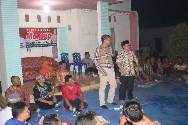 Pasangan Mantap Kampanye Dialogis Bersama Masyakakat di Lalan Bukit Pembangunan