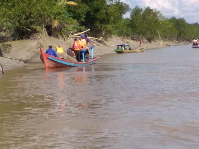 Sedang Istirahat di Tepi Sungai, Nelayan Rohil Hilang Diterkam Buaya
