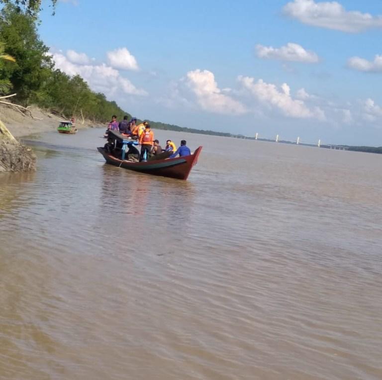 Pencarian Hari Kedua, Tim SAR Temukan Bagian Dalam Tubuh Nelayan Rohil yang Diseret Buaya