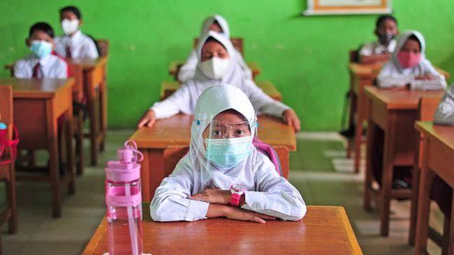 Sekolah Dibuka, Siswa Belum Vaksin Tetap Bisa Masuk