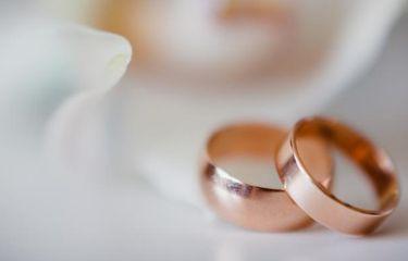 Takut Tertunda karena Lockdown, Sepasang Kekasih di Malaysia Menikah Pakai Baju Kerja